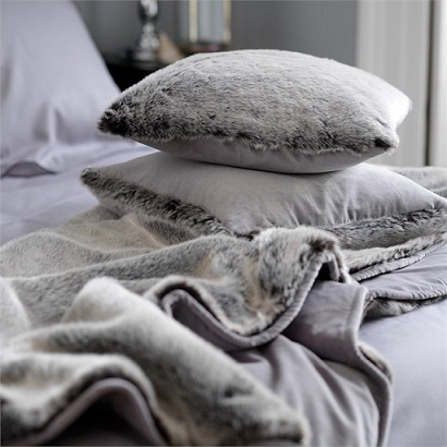 Grey Faux Fur Throw Blanket with Pillows