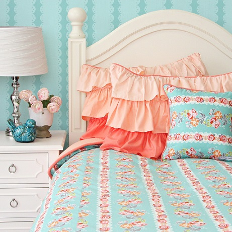 Look For Coral And Teal Bedding